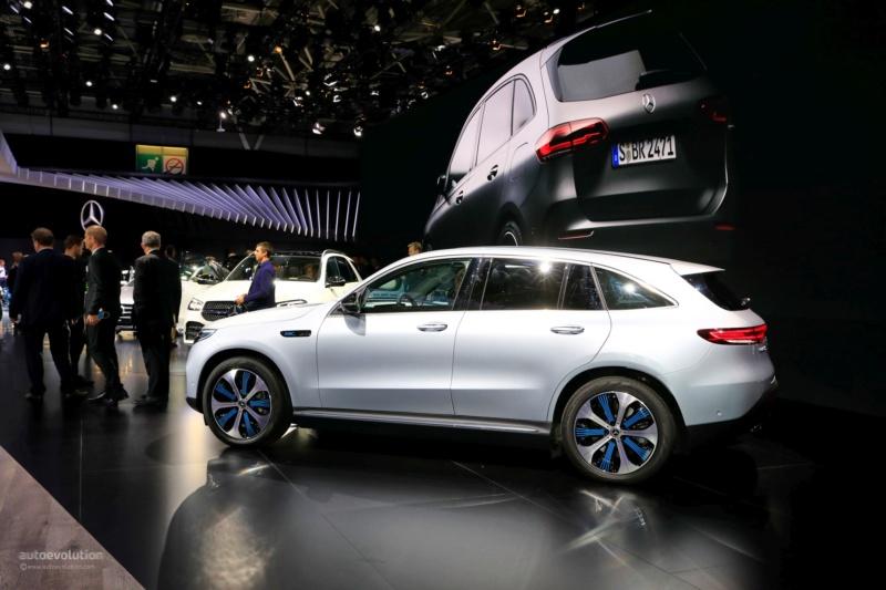 2019 - [Mercedes-Benz] EQ C - Page 6 D21cbd10