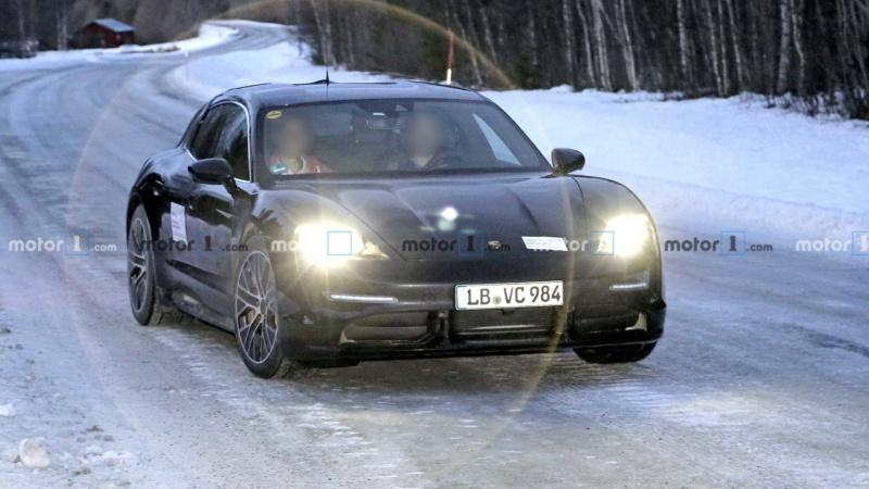 2020 - [Porsche] Taycan Sport Turismo D4b63e10