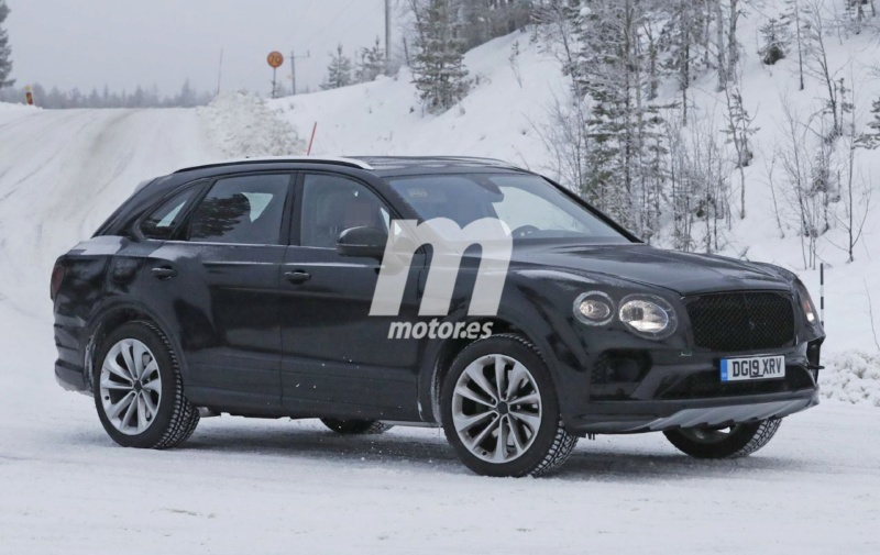 2015 - [Bentley] Bentayga - Page 12 D9560a10