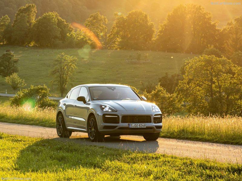2019 [Porsche] Cayenne coupé - Page 6 Dd61aa10
