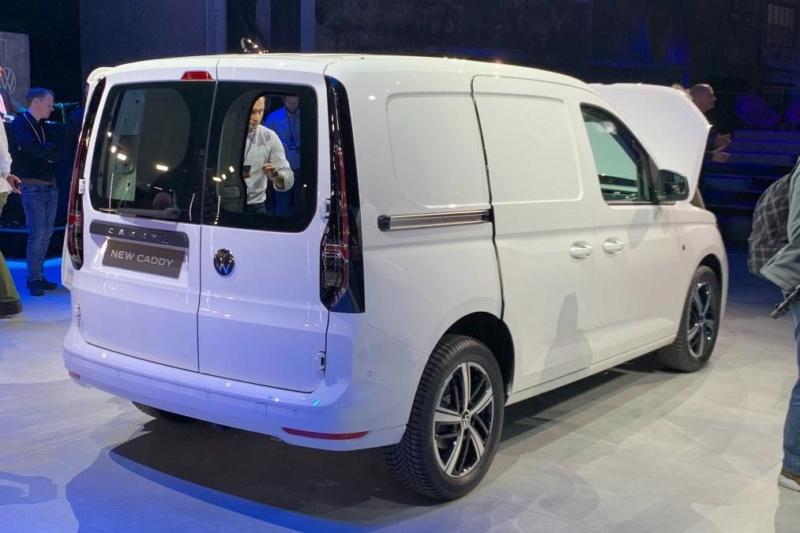2020 - [Volkswagen] Caddy V - Page 4 De864810