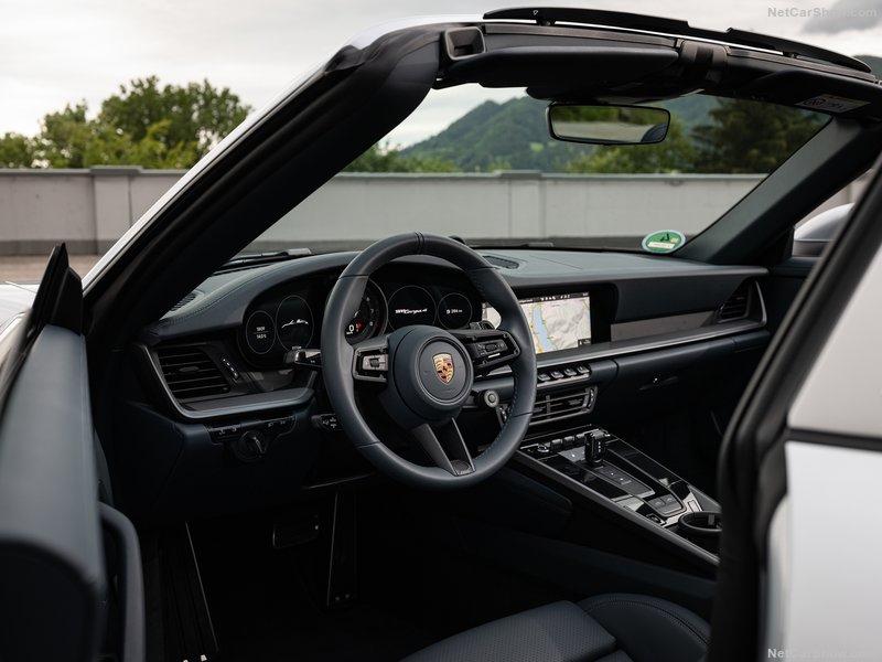 2018 - [Porsche] 911 - Page 20 E5c3a710