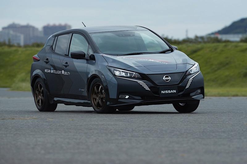 2017 - [Nissan] Leaf II - Page 9 Ea4e4a10