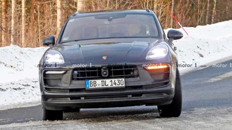 2022 - [Porsche] Macan Ebacfe10