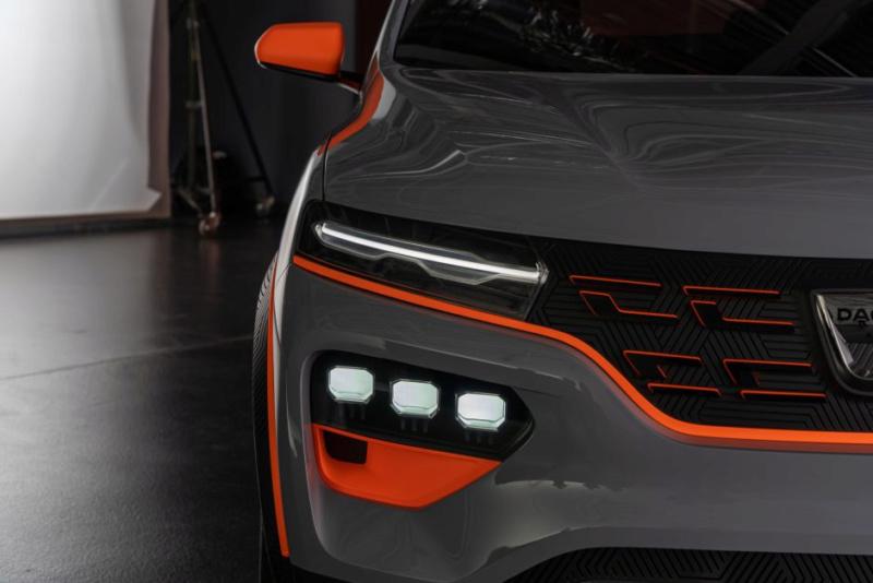 2020 - [Dacia] Spring (show car) F0076510