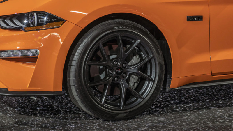 2014 - [Ford] Mustang VII - Page 17 F1110