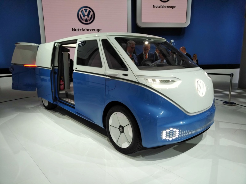 2017 - [Volkswagen] Electric VW Microbus concept - Page 2 F3c34110