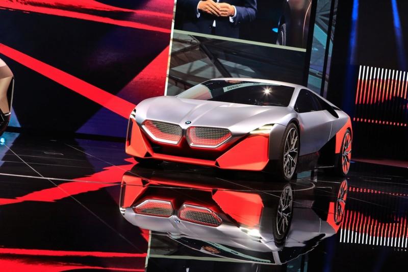 2019 - [BMW] Vision M Next Concept  - Page 2 F414