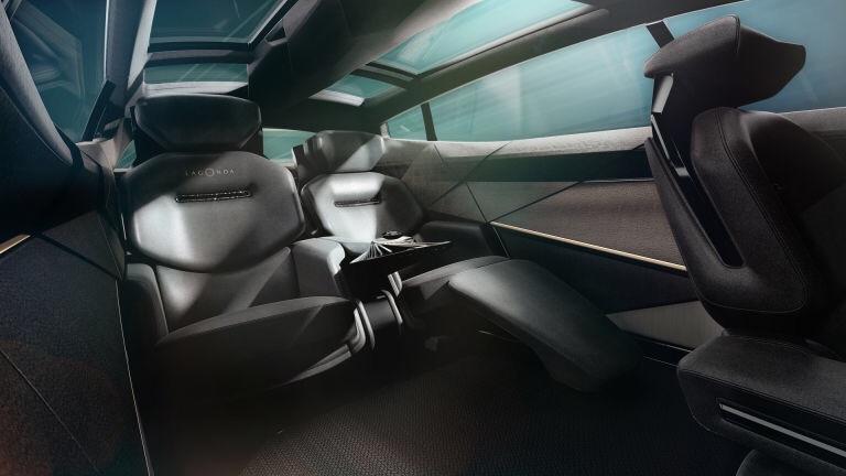 2018 - [Aston Martin] Lagonda Vision Concept  - Page 2 F4c48f10