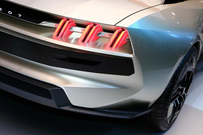 2018 - [Peugeot] e-Legend Concept - Page 14 F69f2010