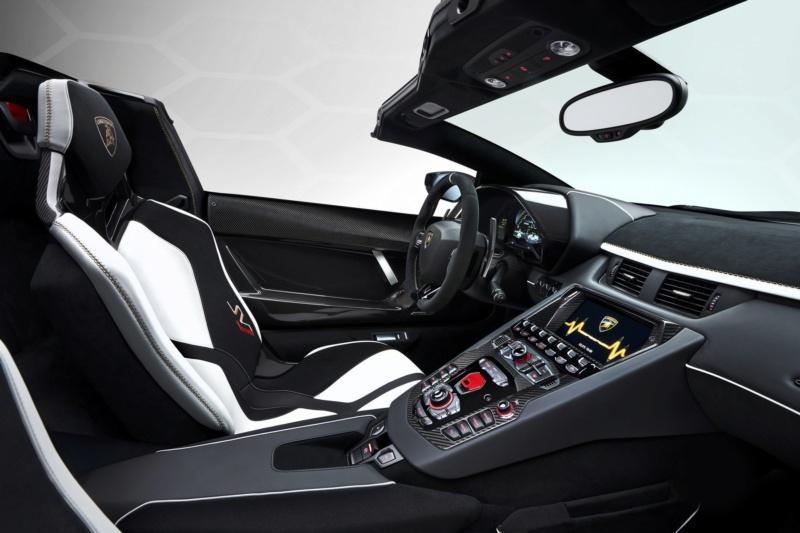 2011 - [Lamborghini] Aventador LP700-4 - Page 27 F706d410