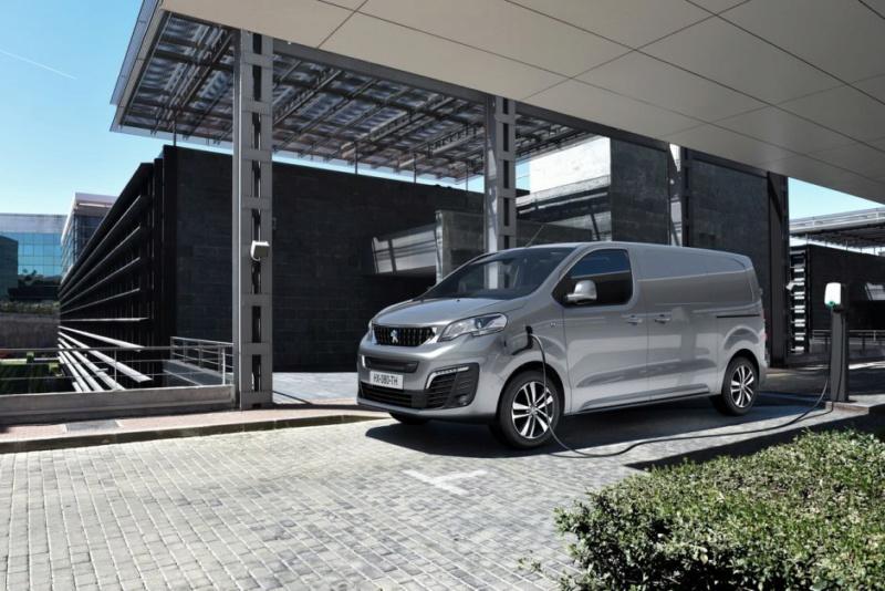 2016 - [Citroën/Peugeot/Toyota] SpaceTourer/Traveller/ProAce - Page 38 F70fdd10