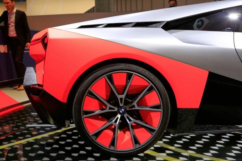 2019 - [BMW] Vision M Next Concept  - Page 2 F713
