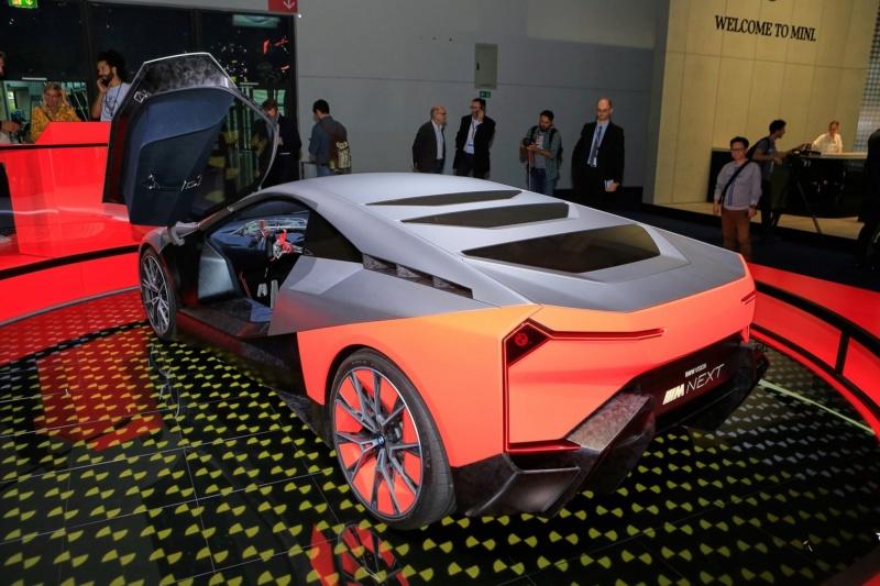 2019 - [BMW] Vision M Next Concept  - Page 2 F813