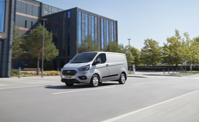 2017 - [Ford] Tourneo/Transit restylé - Page 3 Fb053010