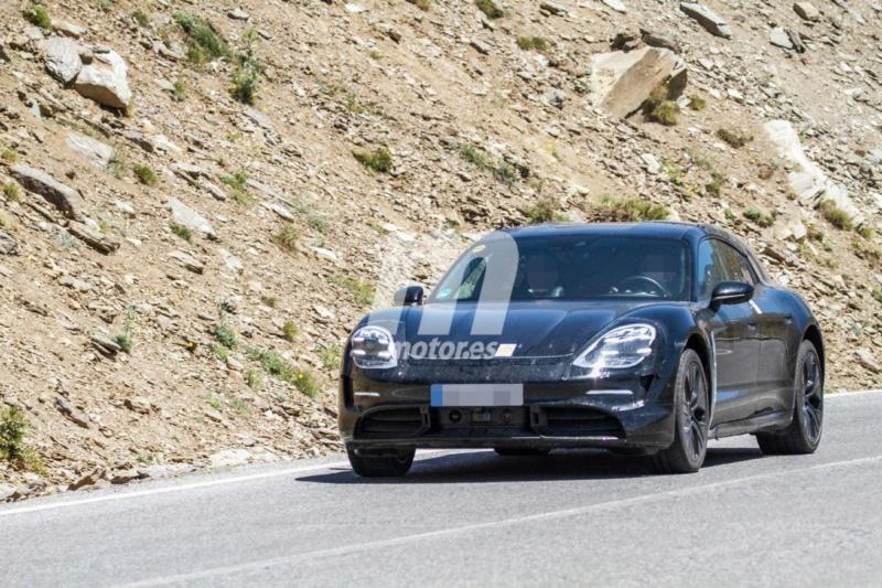 2020 - [Porsche] Taycan Sport Turismo Fc6c4610