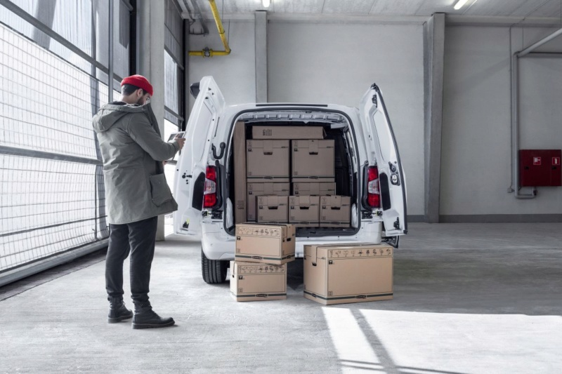2018 - [Peugeot/Citroën/Opel] Rifter/Berlingo/Combo [K9] - Page 3 Fdae0710