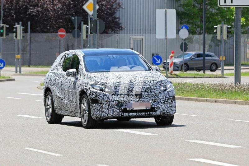 2022 - [Mercedes-Benz] EQS SUV Merce190