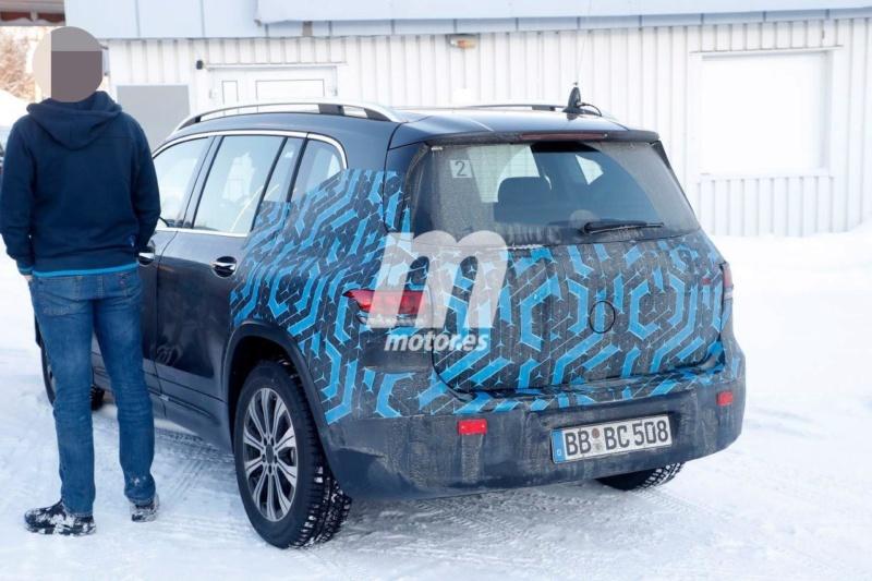 2021 - [Mercedes-Benz] EQB Merced52