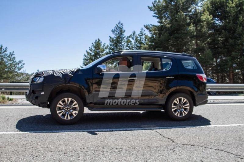2012 - [Chevrolet] Trailblazer  T613