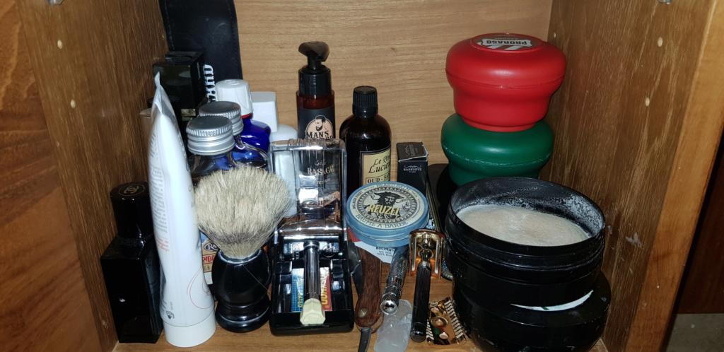 Photos de votre armoire spéciale rasage (ou de la partie réservée au rasage) - Page 29 20200116