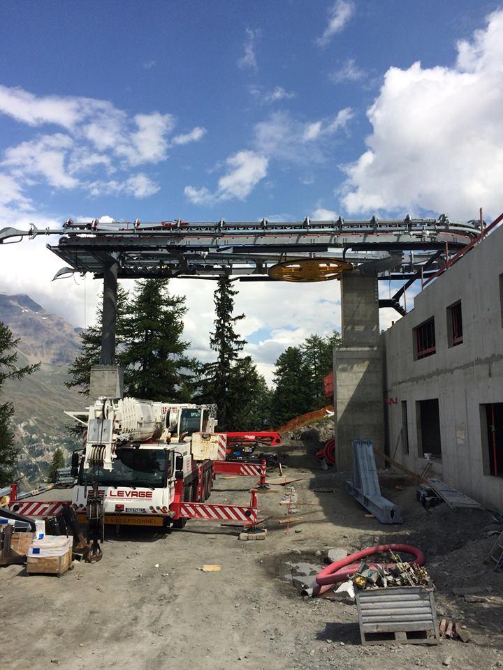 Construction télécabine débrayable 10 places (TCD10) du Vieux Moulin - Val Cenis, Leitner 214
