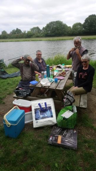 Jeudi 16 août 2018 pêche et grillades au Migron. - Page 2 Dsc_0216