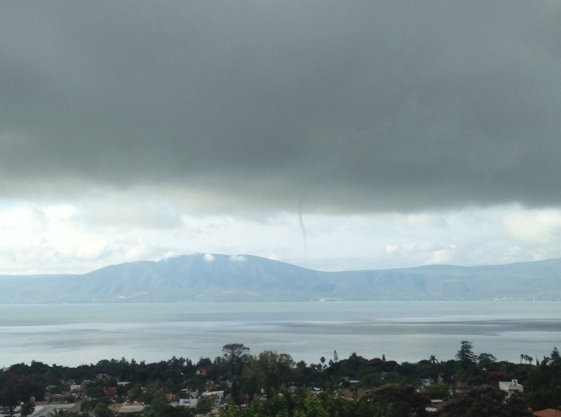 Anyone see this tornado/waterspout across the lake at 9:15 am this morning? Img_2614