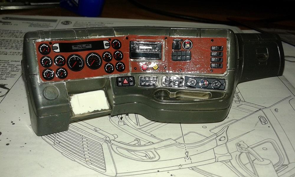 Mercedes 3363 Gigaspace 6x4 - Página 3 08r11