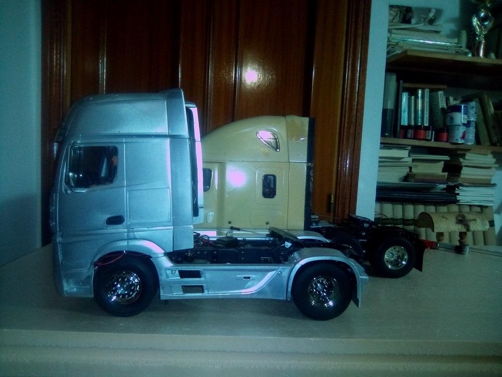 Mercedes 3363 Gigaspace 6x4 - Página 3 Img_2012