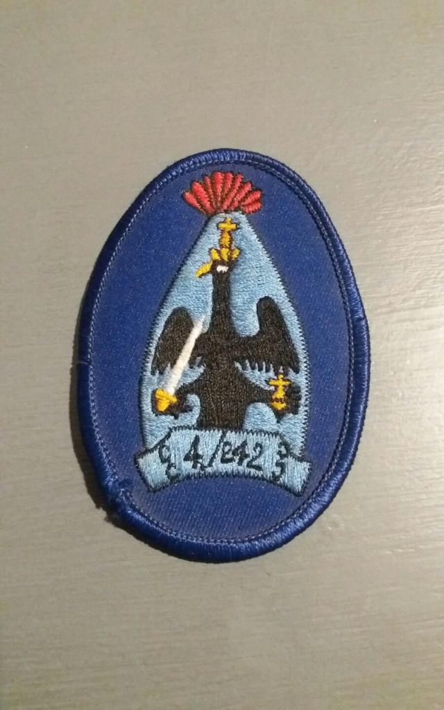 insigne à identifier 4/242 Id511