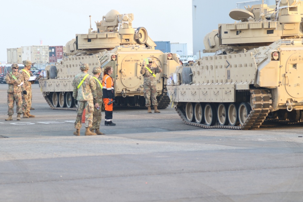 Acheminements de la 1 ArBde US pour Atlantic Resolve 1000w_18