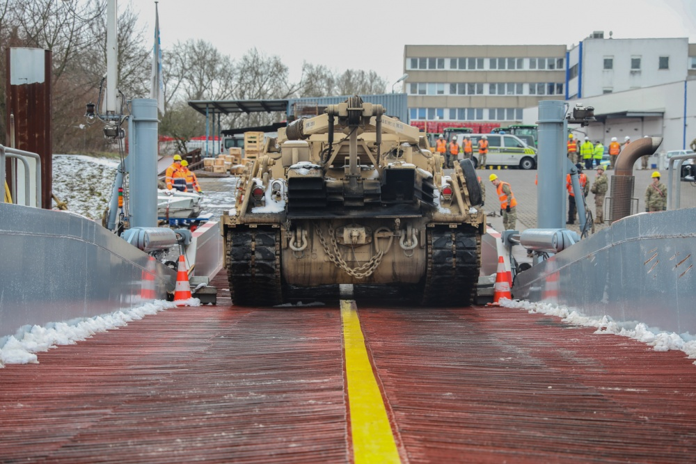Acheminements de la 1 ArBde US pour Atlantic Resolve 1000w_19