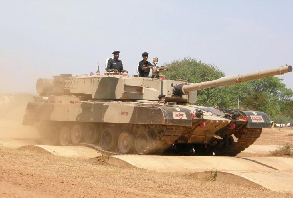 Le char de bataille indien Arjun prêt à entrer en production 1280px40