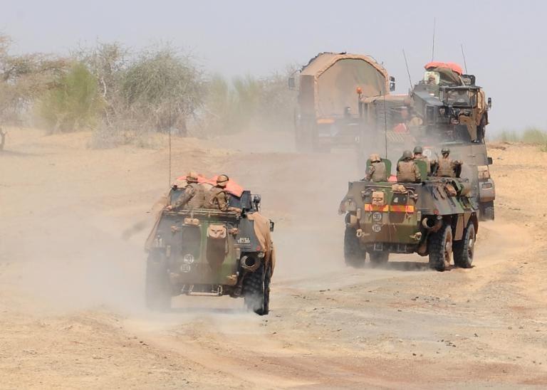 Dans la peau d'un chef d'escorte de convoi de Barkhane 13101110