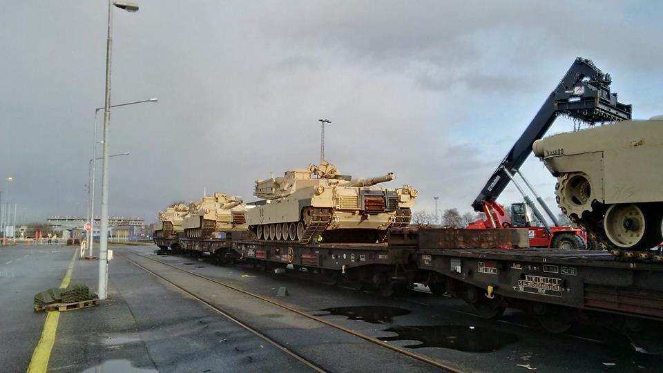Acheminements de la 1 ArBde US pour Atlantic Resolve 18582510