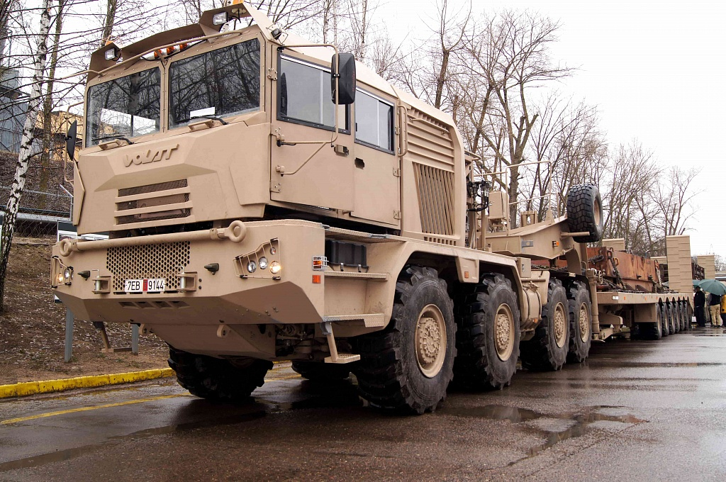 Des porte-chars VOLAT pour les Emirats Arabes Unis 1_2_mi10