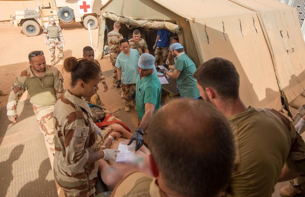 Les médecins de Barkhane sauvent un casque bleu tchadien 2016_t10