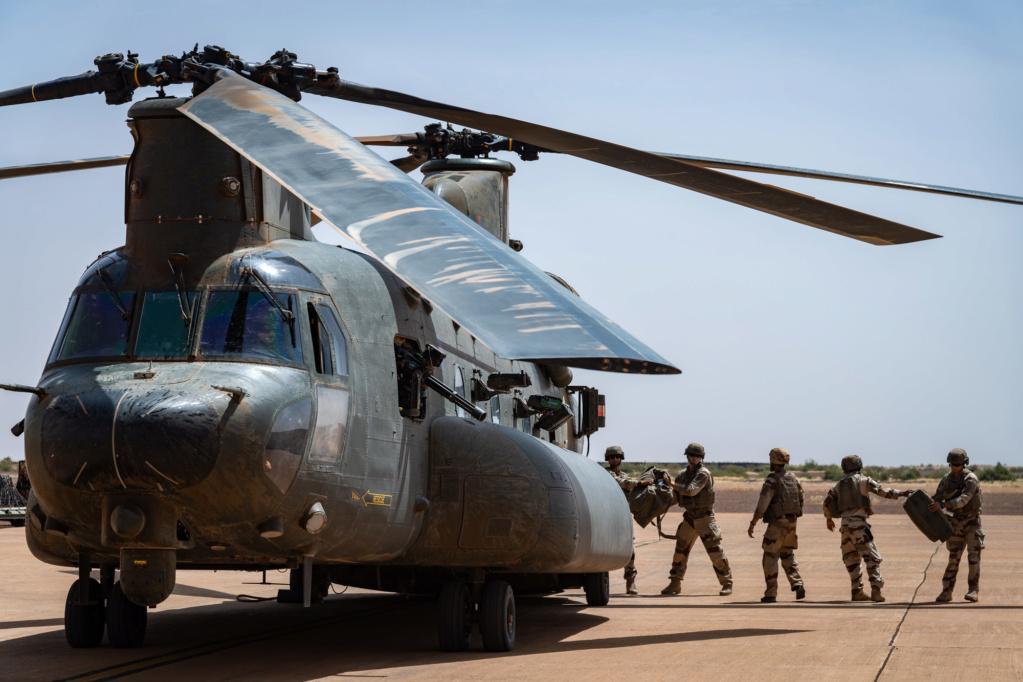 Des hélicos britanniques pour l'opération Barkhane au Sahel 2018_t24