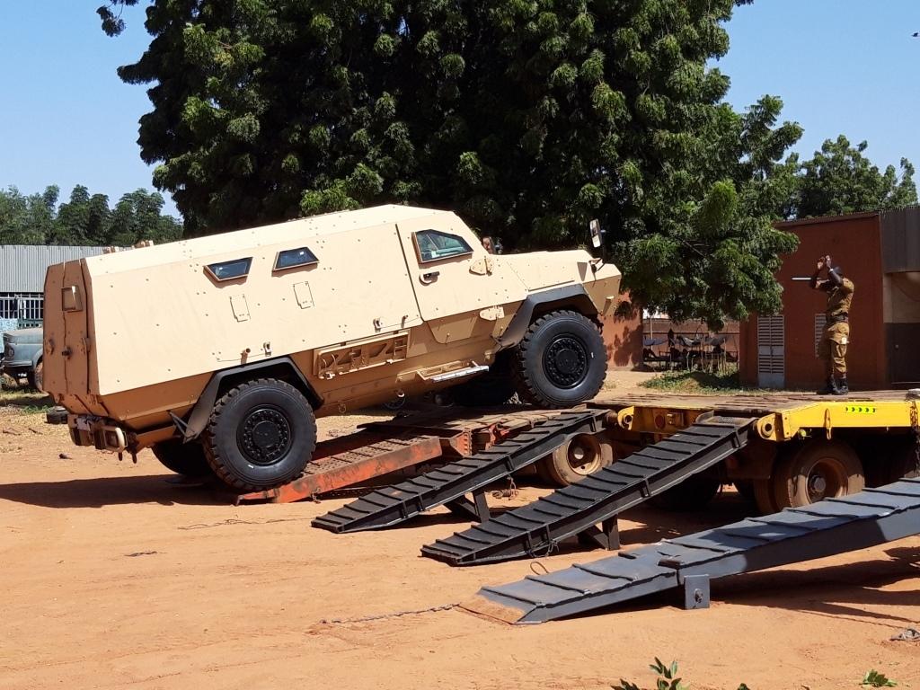 Livraison de 4 véhicules blindés BASTION au Burkina Faso 20191110
