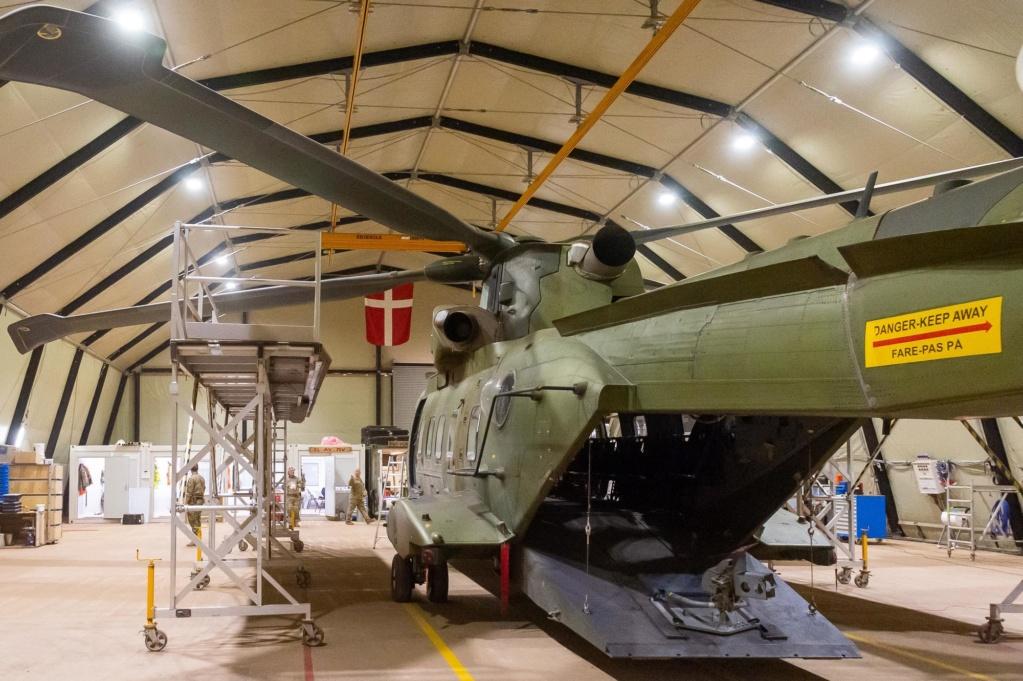 En décembre 2 hélicoptères lourds danois pour Barkhane 2019_125