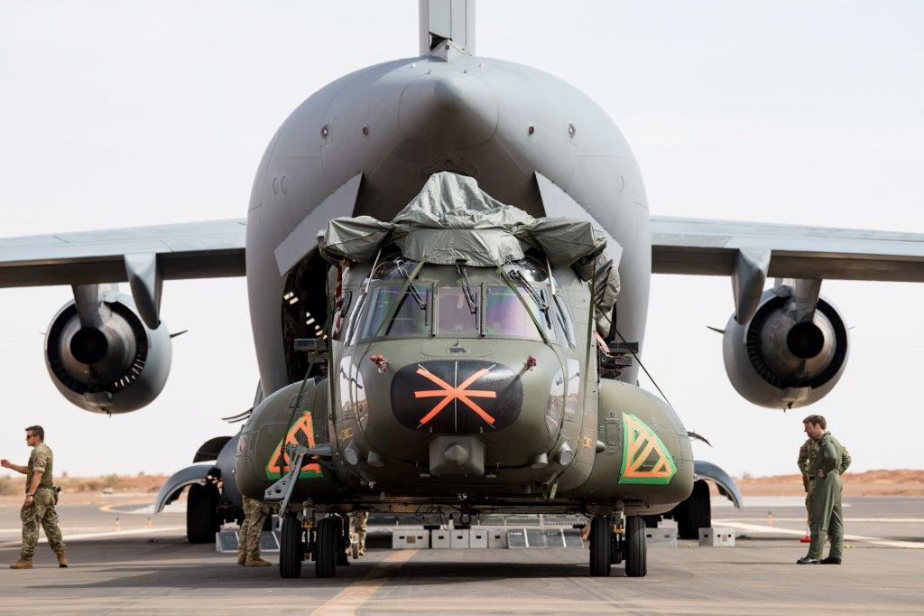 Relève d'un CH-47 Chinook britannique sur la base de Gao 2019_e14
