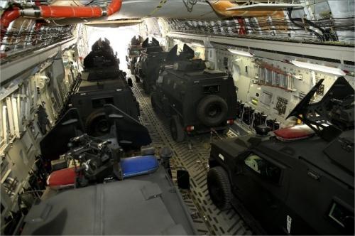 """Le Qatar offre 24 blindés de type """"Storm"""" à l'armée malienne 25363610"""