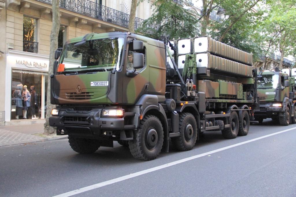 Livraison des camions Mack pour l'armée canadienne 37832710