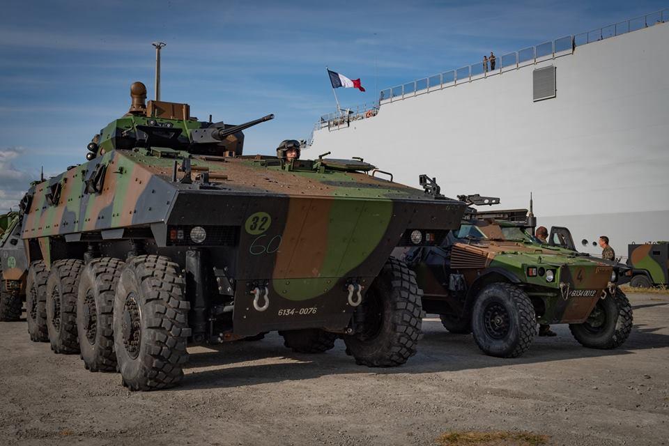 Direct auto sur la chaine C8 sur les véhicules militaires 50119410