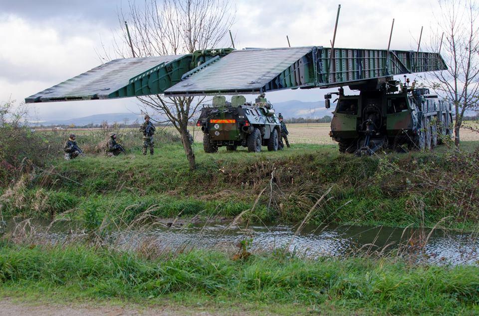 Direct auto sur la chaine C8 sur les véhicules militaires 50612210