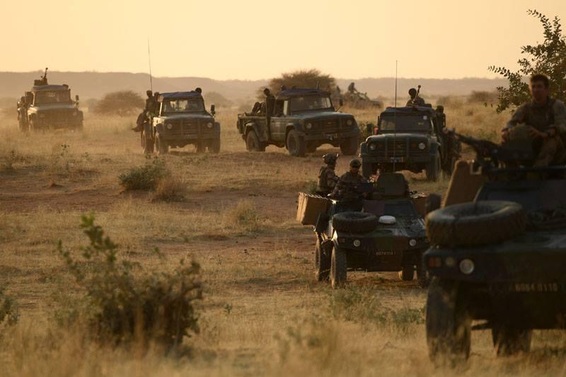 Avec les Groupe Commando Montagne du Liptako 53003710