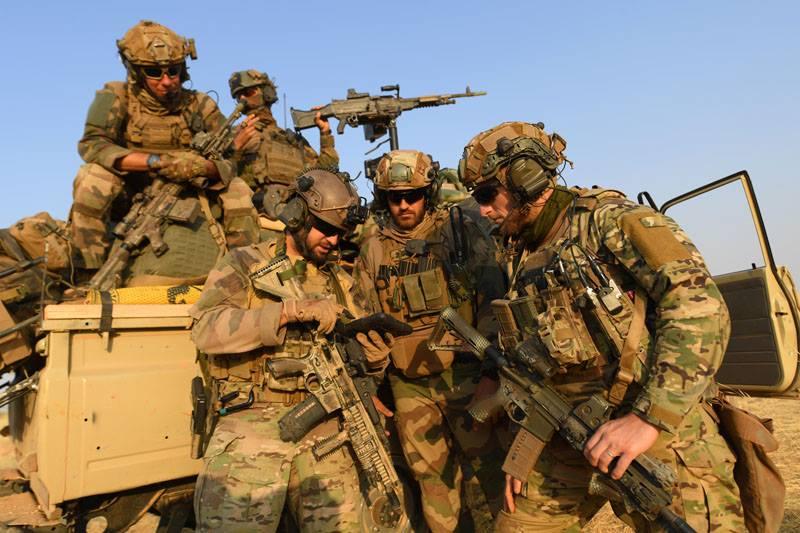 Avec les Groupe Commando Montagne du Liptako 53028710