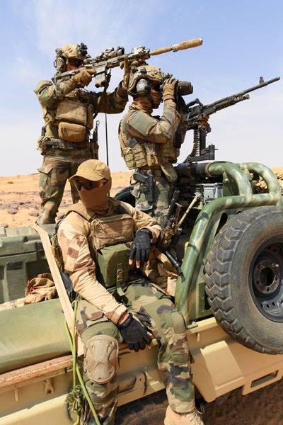 Avec les Groupe Commando Montagne du Liptako 53229610