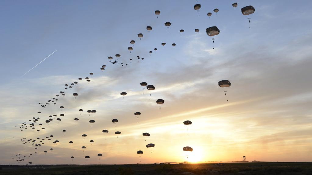 1er largage opérationnel par A400M au Mali 553f8010